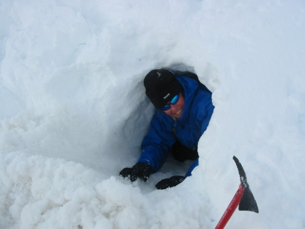 Digging an Emergency shelter Bealch na Ba Applecross