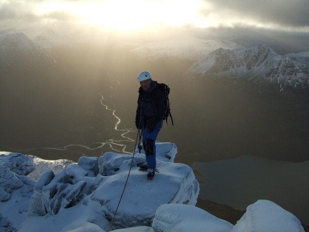 High above the Fisherfield range during the Traverse of An Teallach Dec 2008