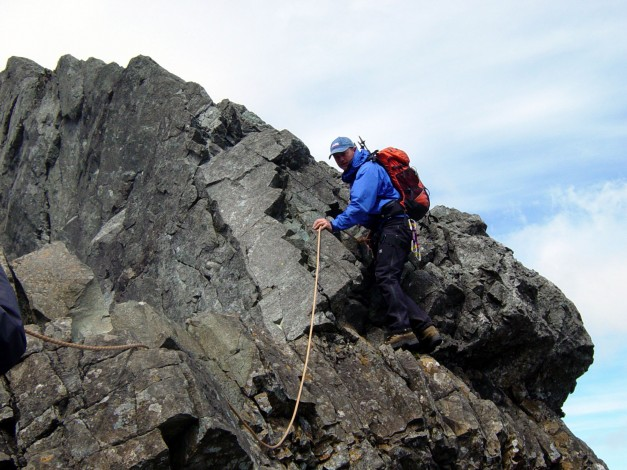 Descending Clach Ghlas during the traverse Isle of Skye mountain trip